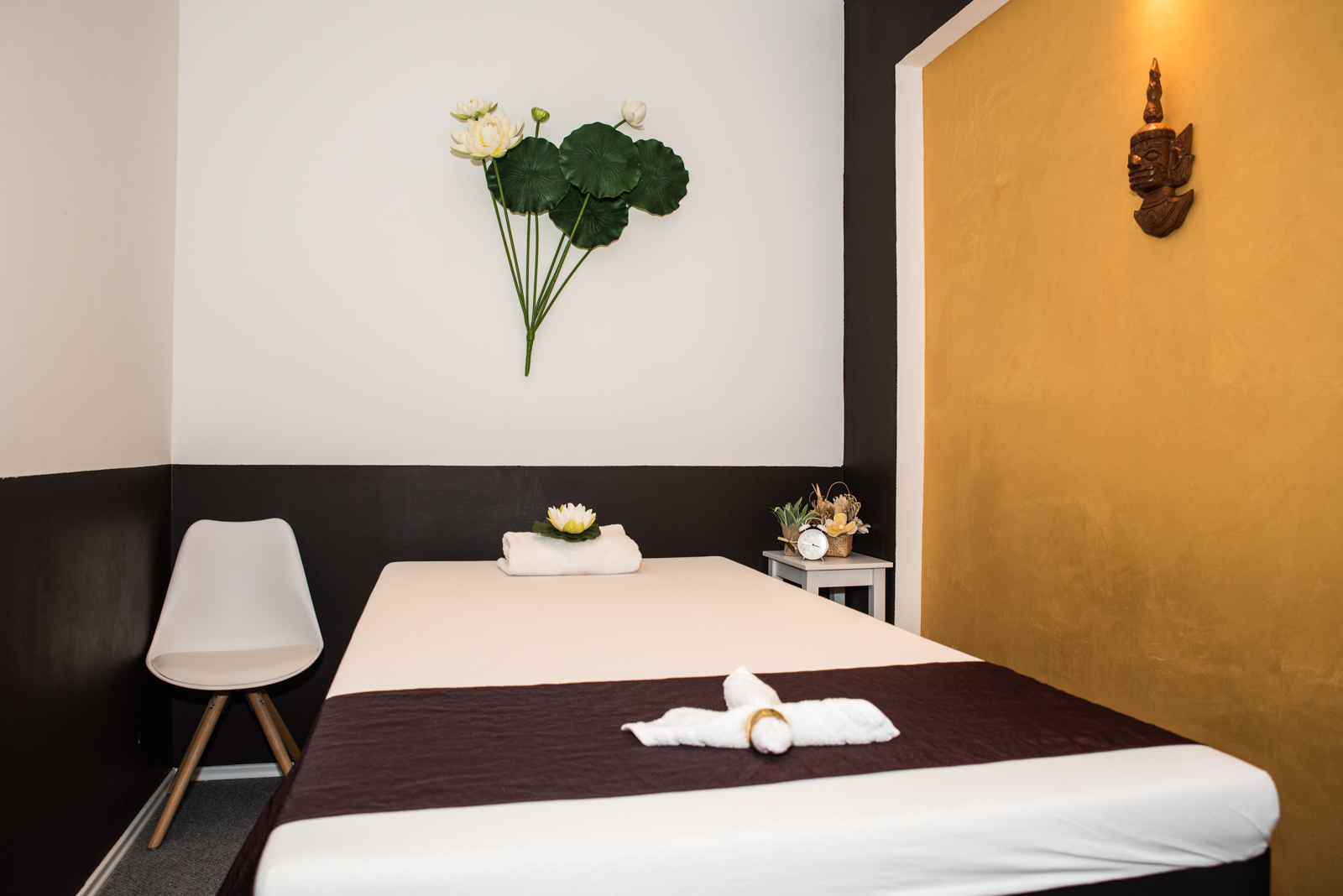 home bangkok massage. Black Bedroom Furniture Sets. Home Design Ideas